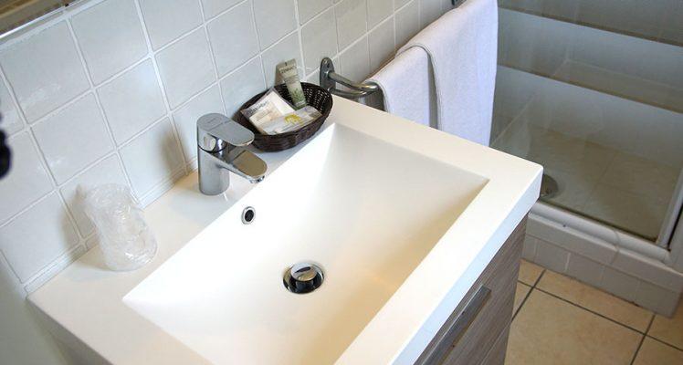 salle-bain-hotel-restaurant-ascain