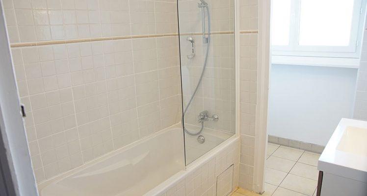 douche-baignoire-hotel-rhune